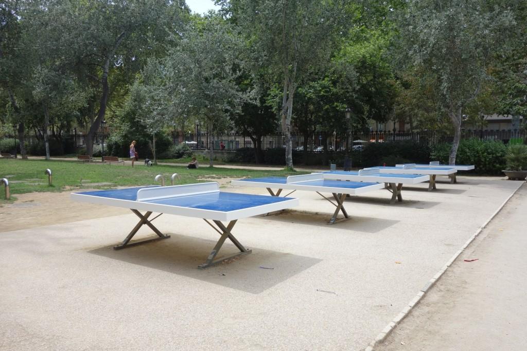 シウタデリャ公園内にある本格的な卓球台