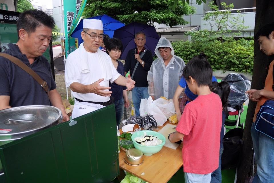 2015/7/4に開催されたパークキャラバン@保土ヶ谷駅前公園 知らず知らずのうちに始まった料理教室