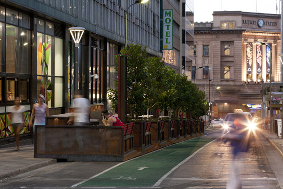 (photo by WORLD LANDSCAPE ARCHITECTURE http://worldlandscapearchitect.com/the-bank-street-parklet-project-adelaide-australia-taylor-cullity-lethlean/#.V2e9JSOLRhE)