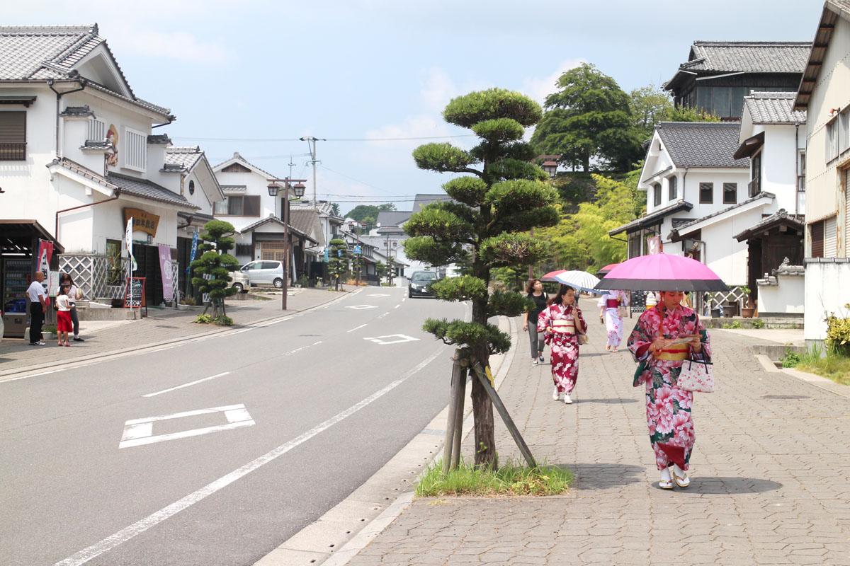 「谷のまち」(商町家が並ぶ道)の町並み photo by Takahiro YAMAZAKI