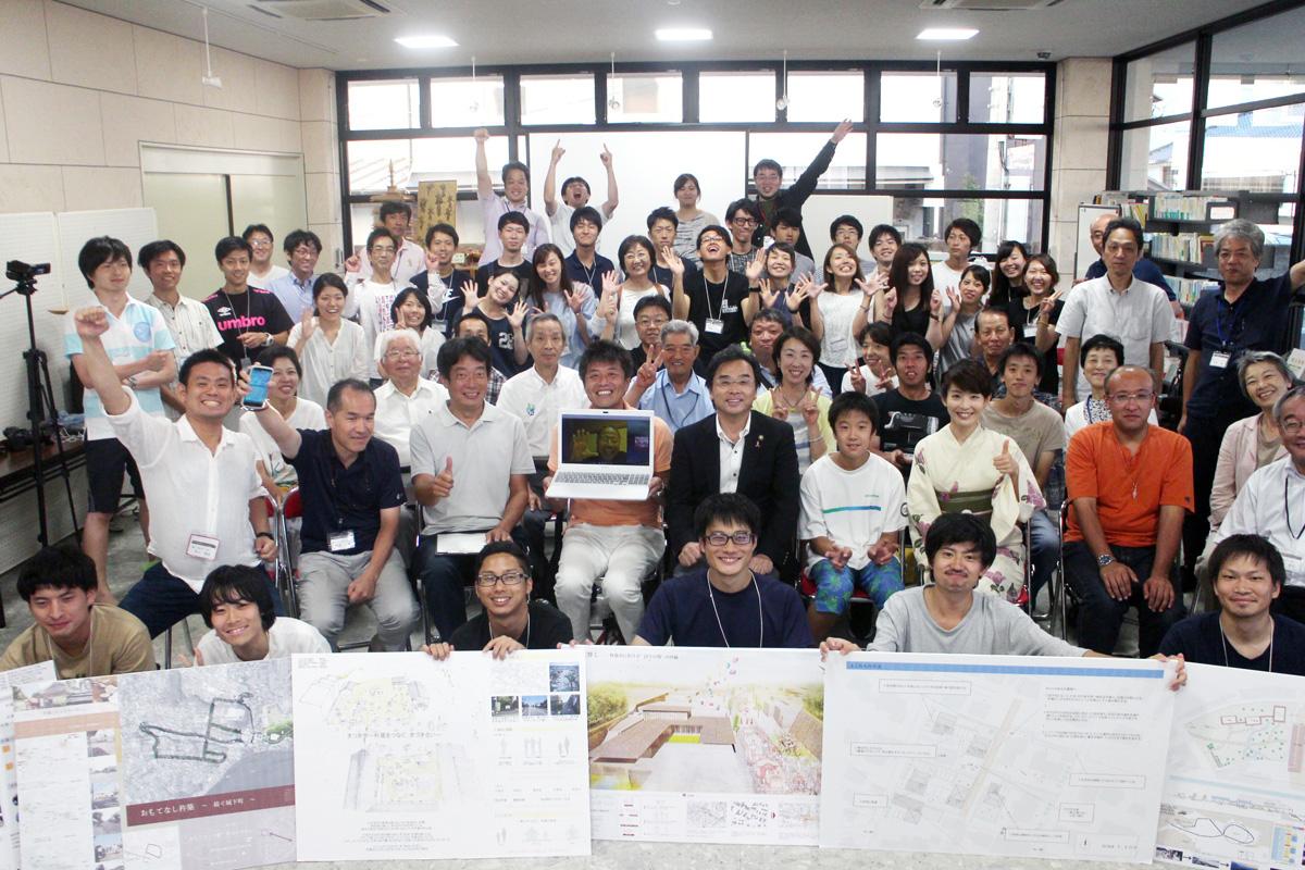 三栗野さん自身も参加した大分県杵築市で開催されたシャレットワークショップの体験レポート。全国から30人の建築・都市系の学生が集まりました。