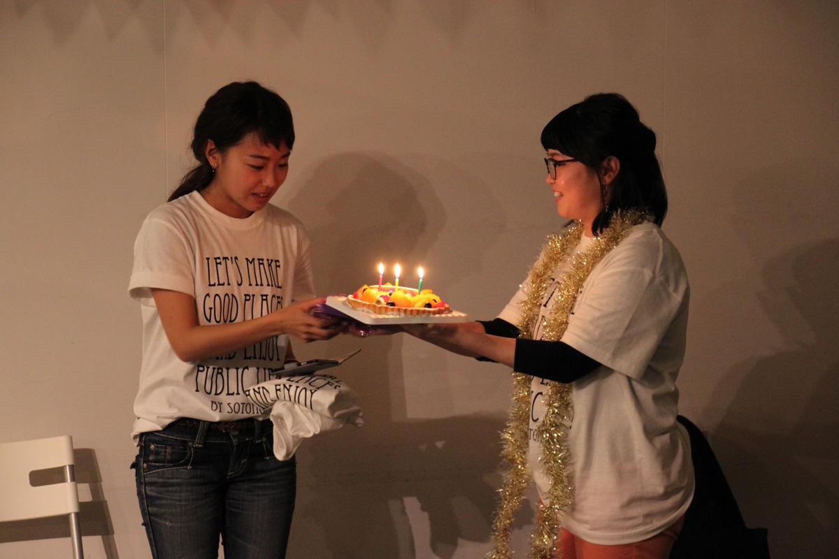 サプライズで、ソトノバメンバー三谷さんの誕生日を祝いました!