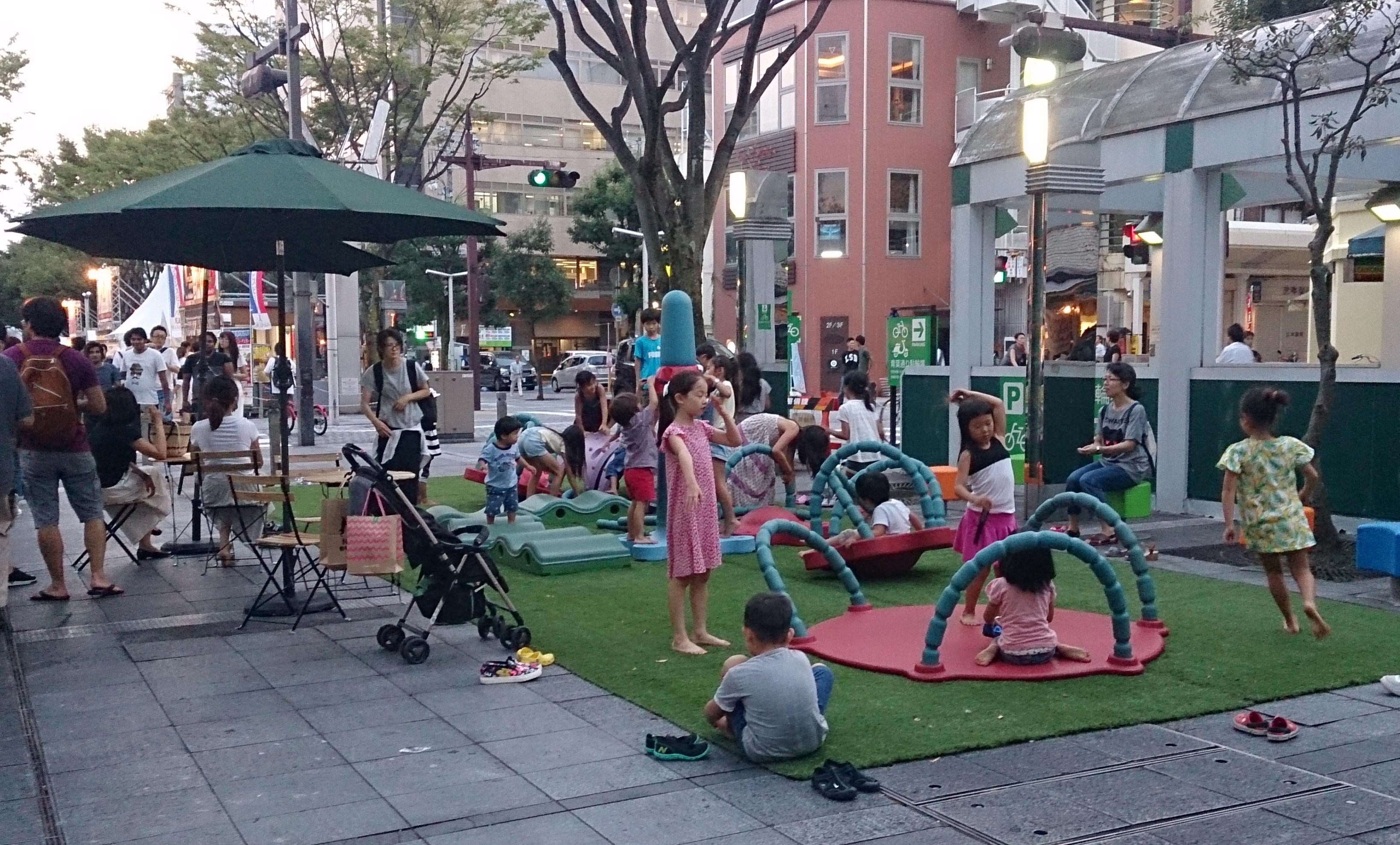 大人気だった子どもの創意工夫で自由に楽しめる可動式遊具(協力:(株)コトブキ)