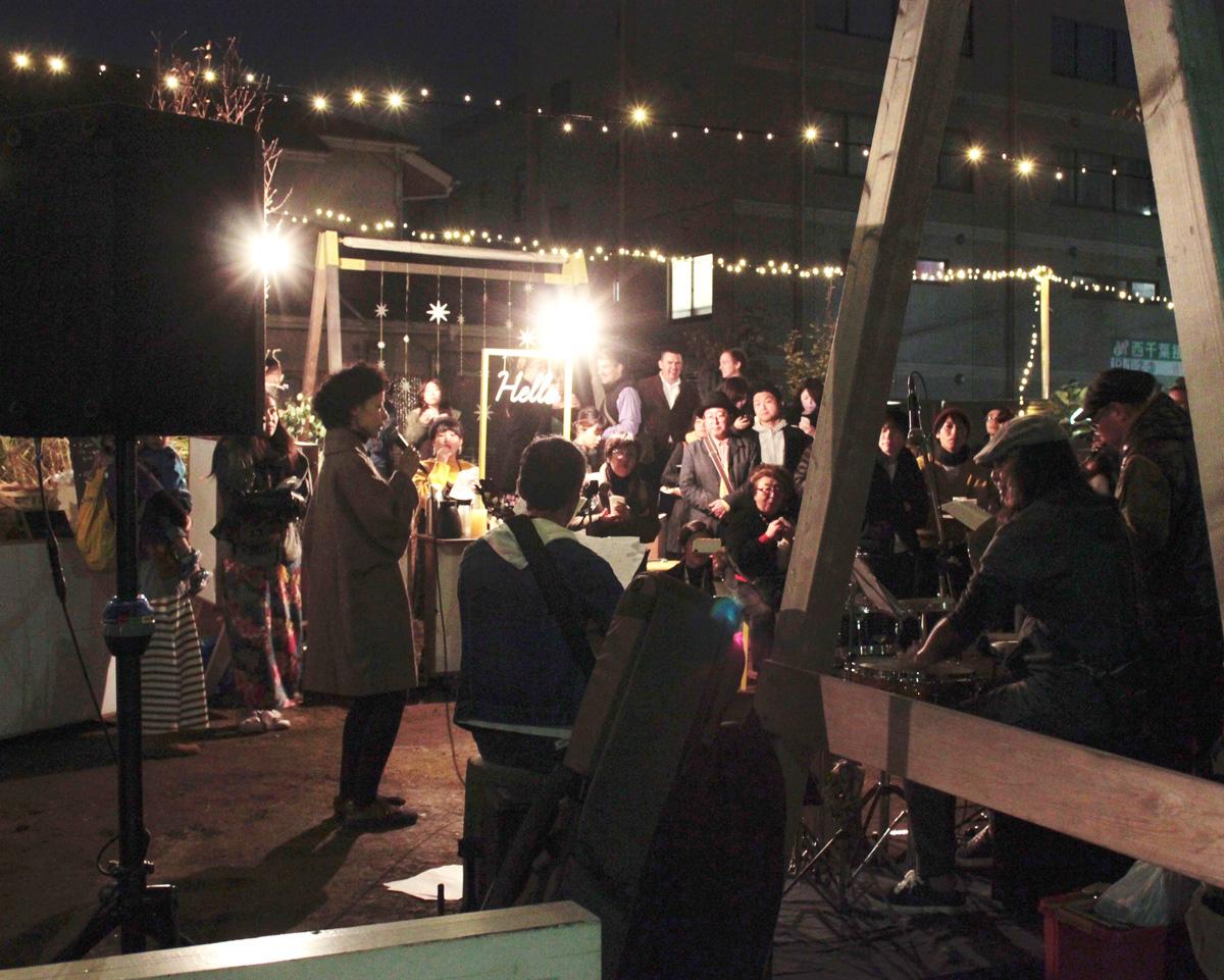たくさんのまちの人が、この音楽祭を楽しんでいます