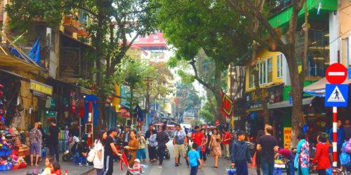 ベトナム・ハノイの旧市街を歩いて気付いた、ソトに活気がある理由