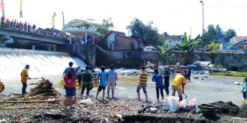 インドネシア、居住者同士の「共有」でつくり出す水辺の公共空間